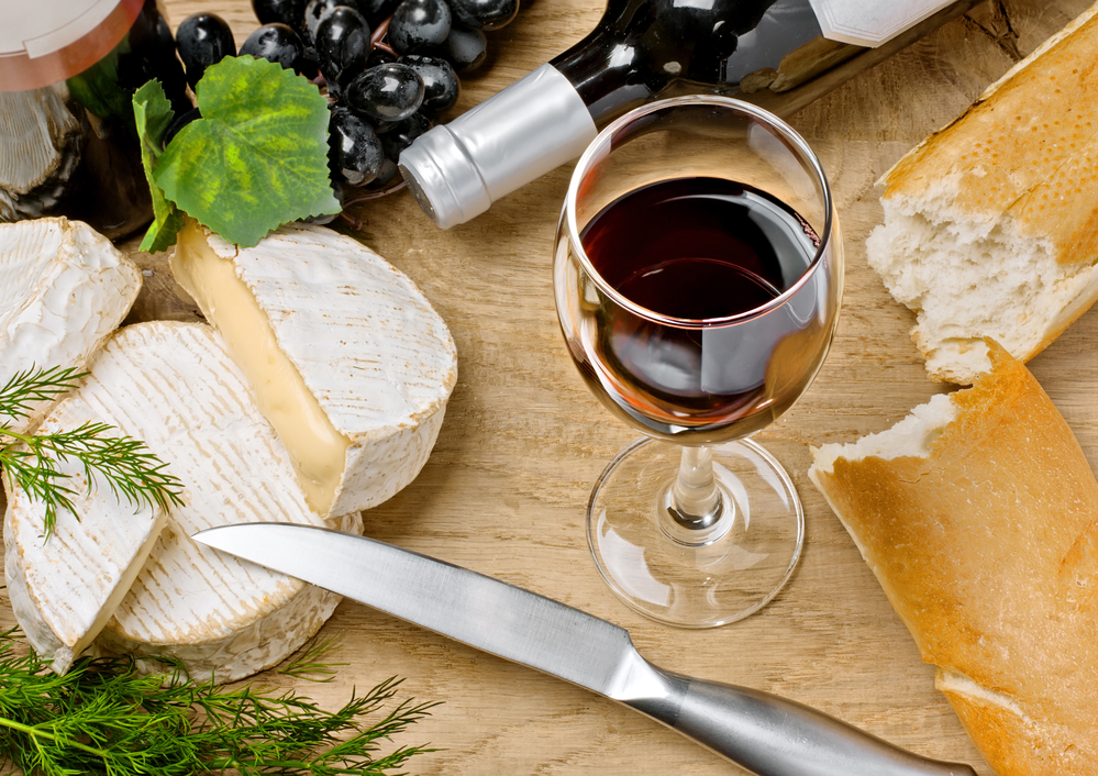 Red-wine-Brie-and-Camembert-cheeses
