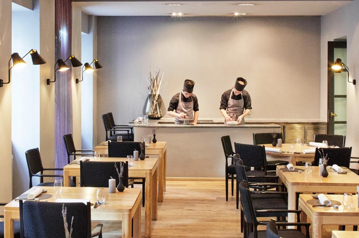 Restaurant-Konstantin-Filippou